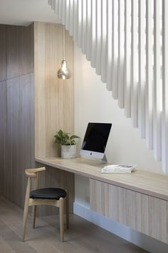 House call: Heritage townhouse with a modern Scandi twist Office Nook, Home Office Space, Home Office Design, House Design, Office Under Stairs, Under Stairs Nook, Study Nook, Modern Townhouse, Building Stairs