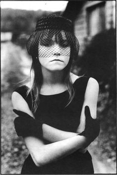 Photograph of Tiny, shot by Mary Ellen Mark. I've never seen Streetwise, 1984 the documentary about homeless teenagers that features Tiny as a subject. Narrative Photography, History Of Photography, Documentary Photography, Portrait Photography, Mary Ellen Mark, Ralph Gibson, Robert Frank, Nan Goldin, Magnum Photos