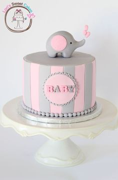 Elephant Baby Shower Cake [omg want, love elephant theme] sweet topper. Torta Baby Shower, Tortas Baby Shower Niña, Baby Shower Pasta, Deco Baby Shower, Elephant Baby Shower Cake, Elephant Cakes, Elephant Theme, Girl Shower, Baby Shower Themes