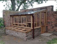Amazing Shed Plans - Abri de jardin sympa Now You Can Build ANY Shed In A Weekend Even If You've Zero Woodworking Experience! Start building amazing sheds the easier way with a collection of shed plans! Lean To Greenhouse, Greenhouse Plans, Greenhouse Gardening, Vegetable Gardening, Organic Gardening, Greenhouse Frame, Cold Frame Gardening, Homemade Greenhouse, Cheap Greenhouse