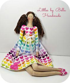 Regalo de amor arco iris muñeca muñeca Tilda vestido rosa muñeca hecha a mano muñeca corazón muñeca especial decoración casa muñeca collorful muñeca regalo para niñas