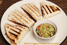 Veggie-Loaded Quesadillas (No Cheese!) and Easy Guacamole Recipe | www.veganrunnereats.com
