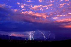 Силы природы - картинки на телефон: http://wallpapic.ru/landscapes/forces-of-nature/wallpaper-39050