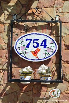 Numeral em mosaico - tema flores e beija-flor