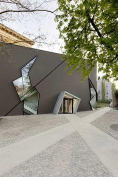 Gallery of Felix Nussbaum Museum / Studio Libeskind - 5