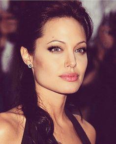 Flawless Angelina Jolie  #AngelinaJolie #AngelinaJoliePitt #BradPitt…