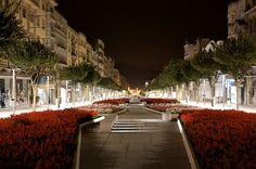 CALÇADÃO EM PORTUGAL. Mirem-se no exemplo, desta cidade portuguesa - BRAGA, para o funcional e bonito calçadão. RIBEIRÃO PRETO, tome vergonha, Srª Prefeita e Nobres Edis.