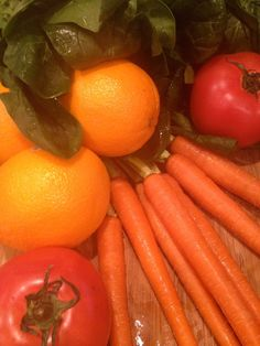 tomato orange carrot spinach juice - delicious and good for you!