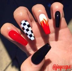There are three kinds of fake nails which all come from the family of plastics. Acrylic nails are a liquid and powder mix. They are mixed in front of you and then they are brushed onto your nails and shaped. These nails are air dried. Edgy Nails, Grunge Nails, Trendy Nails, Black Nails, Yellow Nails, Matte Black, Black White, Best Acrylic Nails, Acrylic Nail Designs