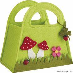 felt bag to make – Page 2 – felt Felt Purse, Patchwork Bags, Foam Crafts, Fabric Bags, Kids Bags, Felt Toys, Felt Art, Felt Ornaments, Felt Flowers