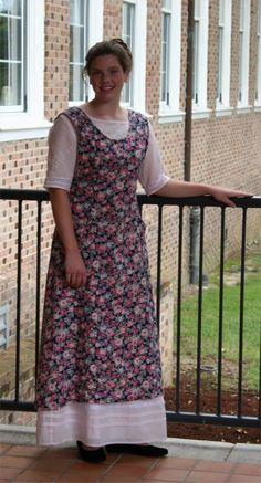 Ladies' Edwardian Apron Pattern | Sense & Sensibility Patterns
