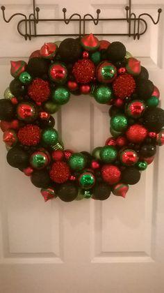 Ornament Kwanzaa wreath