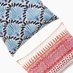 Border pattern centered with decorative stitch edge