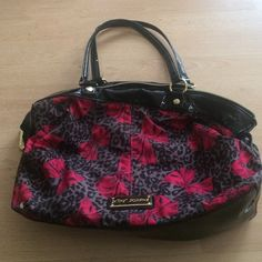 I'm selling this betsey Johnson bag for 13 dollars Betsey Johnson bag Betsey Johnson Bags Totes