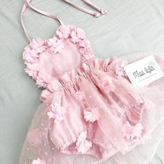 Baby girl pink white romper Vintage floral Birthday romper Cake smash outfit First Birthday Baby outfit Baby shower gift Cute Baby Girl Outfits, Baby Girl Romper, Cute Baby Clothes, Baby Girl Dresses, Baby Girls, Baby Girl Holiday Dresses, Kids Outfits, Hoco Dresses, Baby Dress