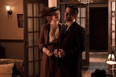 Detective Murdoch (Yannick Bisson) and Dr. Ogden (Hélène Joy)
