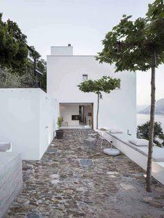 simplicity love: House in Brissago, Switzerland | Wespi De Meuron Romeo