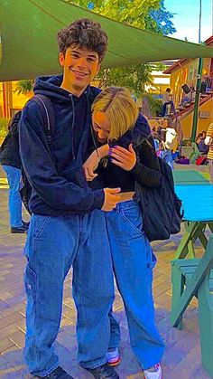 Aesthetic Indie, Couple Aesthetic, Aesthetic Clothes, Aesthetic Pictures, Estilo Indie, Cute Friend Pictures, Couple Pictures, Relationship Goals Pictures, Cute Relationships