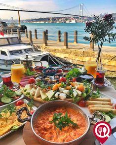 """11.2k Likes, 196 Comments - Yemek Nerede Yenir ® (@yemekneredeyenircom) on Instagram: """"Serpme Kahvaltı - Çeşmidil Restaurant / İstanbul (Beylerbeyi) @cesmidilrestaurant ▫ Çalışma…"""""""