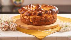 Reteta Pasca cu branza si stafide traditionalau hI Braided Bread, Easter Cookies, Easter Recipes, Camembert Cheese, Nutella, Deserts, Muffin, Oven, Baking