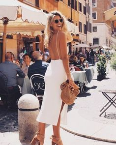 30 Chic Fall / Winter Outfit Ideas – Street Style Look. - Street Fashion, Casual Style, Latest Fashion Trends - Street Style and Casual Fashion Trends Natasha Oakley, Mode Outfits, Fashion Outfits, Womens Fashion, Summer Outfits, Summer Dresses, Summer Date Night Outfit, Winter Outfits, Inspiration Mode