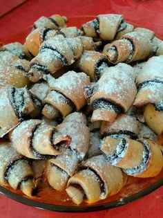 Omlós csokis kifli Micsillától Hungarian Recipes, Pork, Sweets, Foods, Kale Stir Fry, Food Food, Food Items, Gummi Candy, Candy
