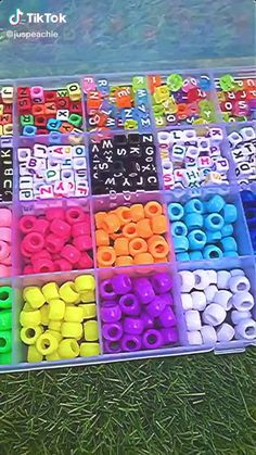 Diy Bracelets Easy, Bracelet Crafts, Jewelry Crafts, Kandi Bracelets, Handmade Wire Jewelry, Fun Diy Crafts, Indie Fashion, Indie Kids, Resin Crafts