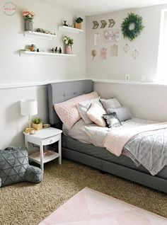 – [pin_pinter_full_name] Gorgeous Blush & Grey Bedroom Makeover DIY! Pink and grey bedroom ideas for a teen girly bedroom / blush bedroom Blush Grey Bedroom, Pink Bedroom Decor, Kids Bedroom, Teenage Girl Bedroom Decor, Design Bedroom, Master Bedroom, Bedroom Themes, Pink Grey Bedrooms, Bedroom Designs For Girls