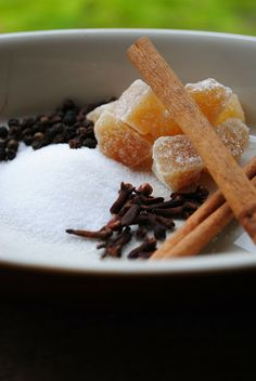 The Enchanted Spoon: Move Over Baaaam....Medieval Spice Blend for the Modern Day Cook - Medieval Spice Blend aka Powder Fine