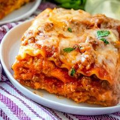 This easy no boil lasagna recipe uses two meats and three cheeses for amazing flavor. Your favorite jarred spaghetti sauce keeps it simple! Lasagna Recipe Videos, Homemade Lasagna Recipes, Best Lasagna Recipe, Beef Recipes, Cooking Recipes, Classic Lasagna Recipe, Chicken Recipes, Vegetarian Recipes, Asian Food Recipes