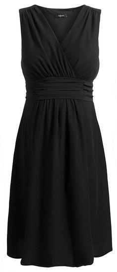 Kleid Liane    Dürfen wir vorstellen: Liane. Schlicht und elegant zugleich. Das hübsche Schleifendetail am Rücken und der schicke V-Ausschnitt machen Kleid Liane zum perfekten Begleiter für so gut wie alle Gelegenheiten. Ob zur Party, ins Büro oder zum gemütlichen Treff mit Freundinnen, in Liane machst du immer eine tolle Figur!    Umstandskleid Liane ist ein wahrer Noppies-Klassiker, der modis...