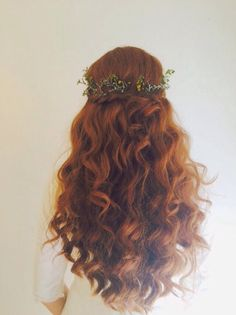 Tara. #mobilebridalsalon #myteam #mybride #hair #hairdown #hairstyle #hairandmakeup #curls #braid #braided #bride #bridal #bridalhair #wedding #weddingday #weddinghair #floral #flowers #flowercrown #love #theknot #stylemepretty #greenweddingshoes #glam #redhead #redhair #jewishwedding