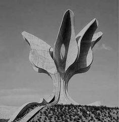Jasenovac #momument by Bogdan Bogdanović / www.spomeniky.com/jasenovac / #spomenik #brutalist #utopian #concrete #brutalism #architecture #jasenovac