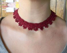 Crochet necklace pattern PDF for Crochet flower necklace in burgundy with heart shaped button, choker, delicate lace