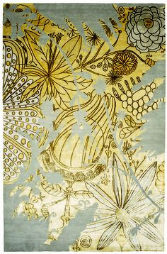 Can you believe this is a rug? It looks like a piece of art! #silver #gold #design