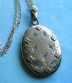 Beautiful Antique Gold Filled Locket With Paste