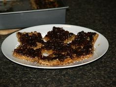 Learn how to make mincemeat and make great recipes. These mincemeat squares are delicious. Bake in a baking dish. Spread crumb mixture over bottom, cover with mincemeat and bake for 20 to 25 minutes. Delicious Cookie Recipes, Best Cookie Recipes, Yummy Cookies, Great Recipes, Mincemeat Cookies, Mincemeat Pie, How To Make Mincemeat, Homemade Mincemeat Recipe, Drop Cookies