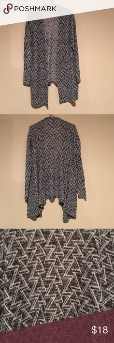 H&M Shawl Sweater Only worn handful of times. The Sweater has a modern zig zag pattern. H&M Sweaters