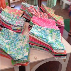 ISO LILLY PULITZER SHORTS SIZE 14! I have trades or $$$!!! Lilly Pulitzer Shorts