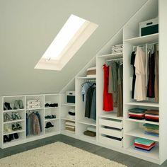 meuble sous pente, armoire ouverte, dressing sous pente Plus