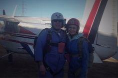 Paraquedas de menina não abre, mas ela continua viva! - http://metropolitanafm.uol.com.br/novidades/entretenimento/paraquedas-de-menina-nao-abre-mas-ela-continua-viva