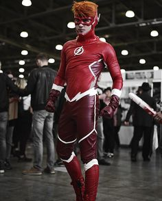 Probably should be yellow, but acceptable Flash Cosplay, Dc Cosplay, Male Cosplay, Best Cosplay, Cosplay Ideas, Cosplay Style, Costume Ideas, Gay Costume, Comic Costume