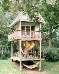More ideas below: amazing tiny treehouse kids architecture modern luxury treehouse interior cozy backyard small treehouse masters plans photography how to Building A Treehouse, Build A Playhouse, Treehouse Kids, House Building, Backyard Hammock, Cozy Backyard, Hammock Ideas, Camping Hammock, Hammock Beach
