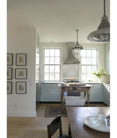 Oyster Bay Beach House - eclectic - kitchen - New York - Heide Hendricks Beach House Kitchens, Cottage Kitchens, Home Kitchens, Dream Kitchens, Kitchen New York, Kitchen Dining, Kitchen Cabinets, Green Cabinets, Upper Cabinets