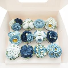 Repost sweetpetalcake Flower buttercream cupcake set