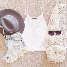 dont like the hat but the rest of the outfit is super cute and perfect for chilly summer nights!