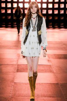 Runway / Saint Laurent / Cruise / Resort 2015 / Kollektionen / Fashion Shows / Vogue Fashion Week, Runway Fashion, High Fashion, Fashion Show, Womens Fashion, Fashion Design, Ladies Fashion, 70s Fashion, Luxury Fashion
