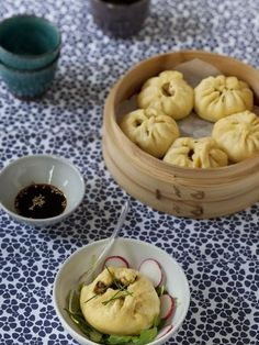 Banh bao (Vietnam) : Recette de Banh bao (Vietnam) - Marmiton Diner Party, Asian Recipes, Ethnic Recipes, Chinese Recipes, K Food, Vietnamese Cuisine, I Love Food, No Cook Meals, Food For Thought