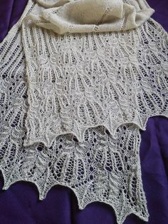 Ravelry: Project Gallery for Panna Frost Flower Lace Shawl pattern by Foldi knit