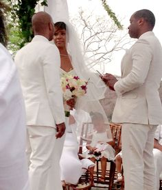 Kelly Rowland got MARRIED in Costa Rica Wedding to Tim Witherspoon.  Jay Z, Beyonce, and Solange flew down for the ceremony right after the MET drama!
